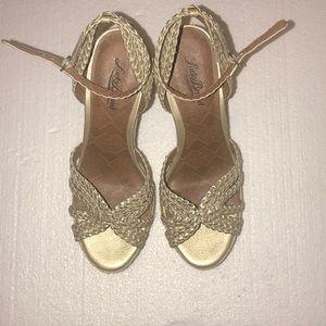 Lucky brand ladies wedges khaki/gold 4 inch heels